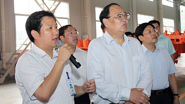 Mr. Wang Renyuan, Vice Governor of Shandong Province visited Jereh in August 2011.